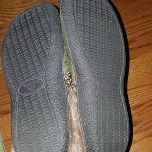 isotoner Shoes - Isotoner green slip on slippers house shoes 7.5